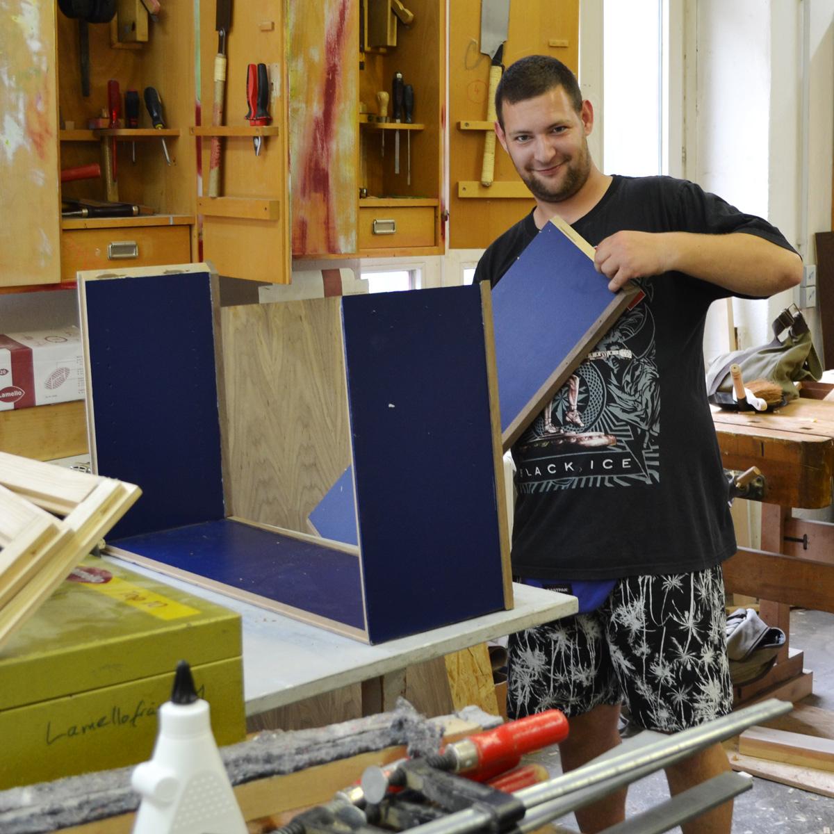 tischler in abw kreuzberg. Black Bedroom Furniture Sets. Home Design Ideas